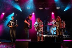 """Box Club"" spiller på Hebcelt (foto: Kirsti Jareg)"