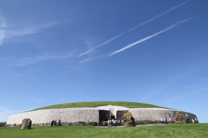 Newgrange (Photo: Kirsti MacDonald Jareg)